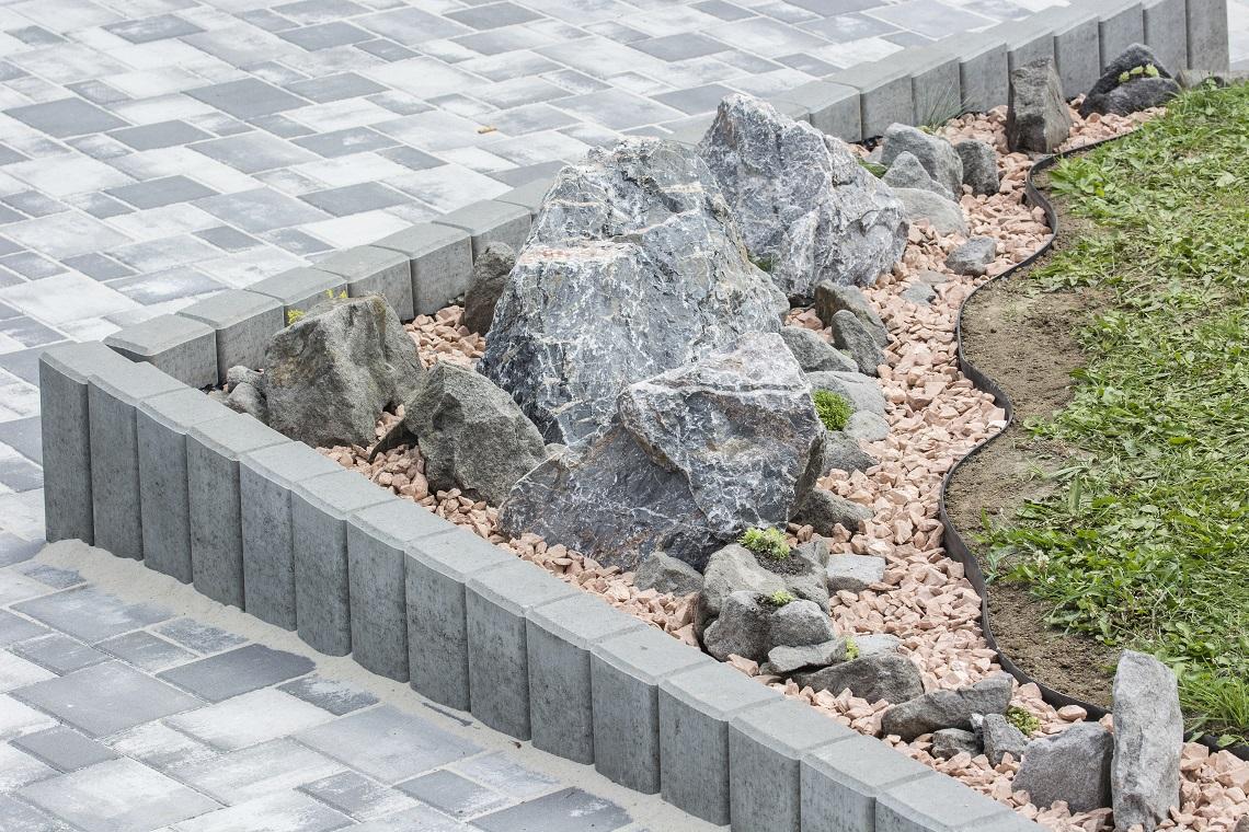 Palisada betonowa - jak ją zamontować?